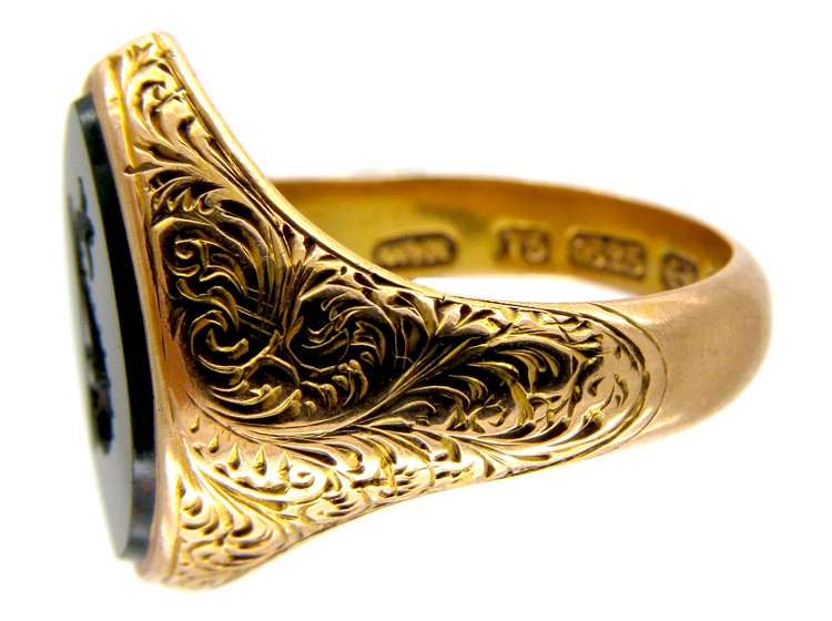 Victorian Dolphin Intaglio 15ct Gold Signet Ring The