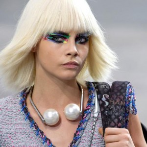 Cara models Karl Lagerfeld's giant pearls for Chanel's Spring/Summer 2014