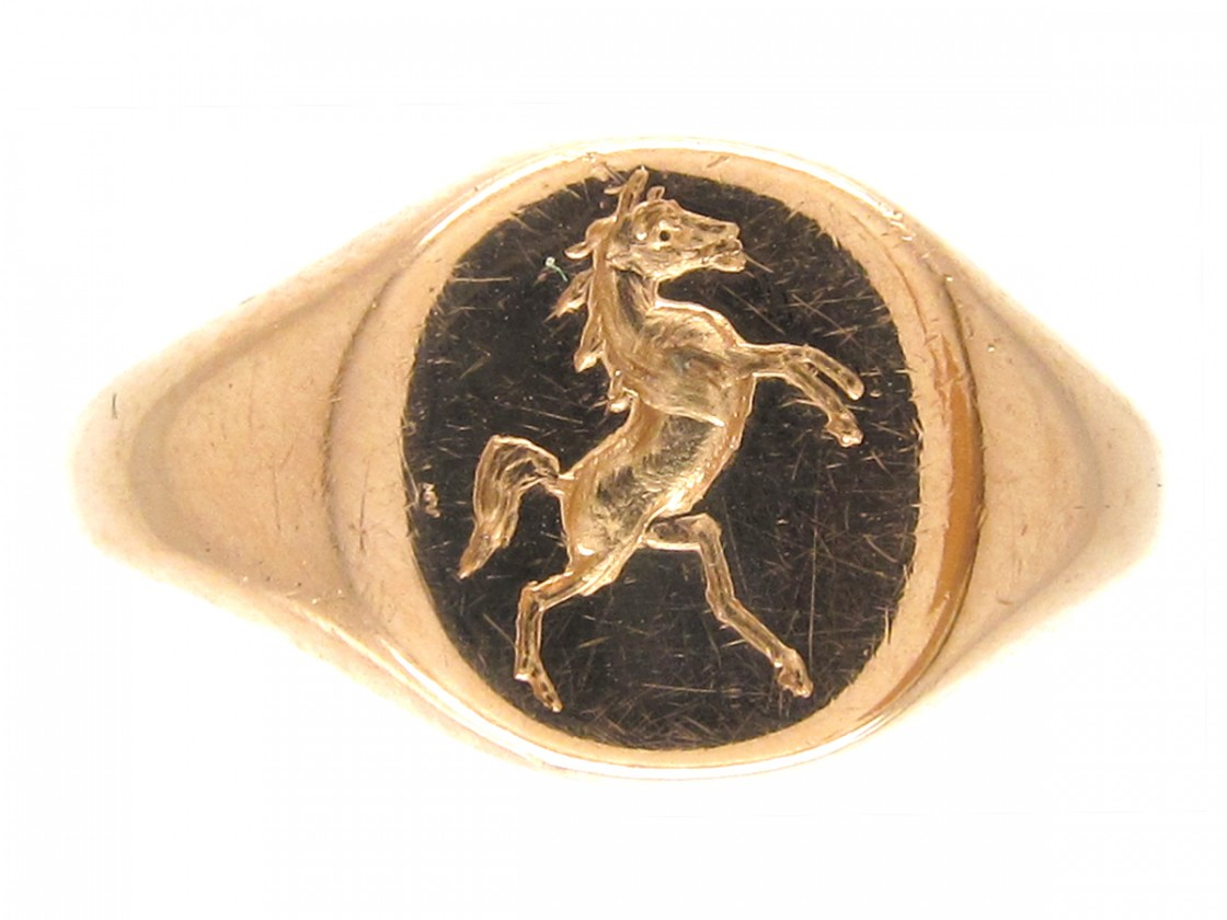 18ct Gold Signet Ring With Rearing Horse Intaglio The