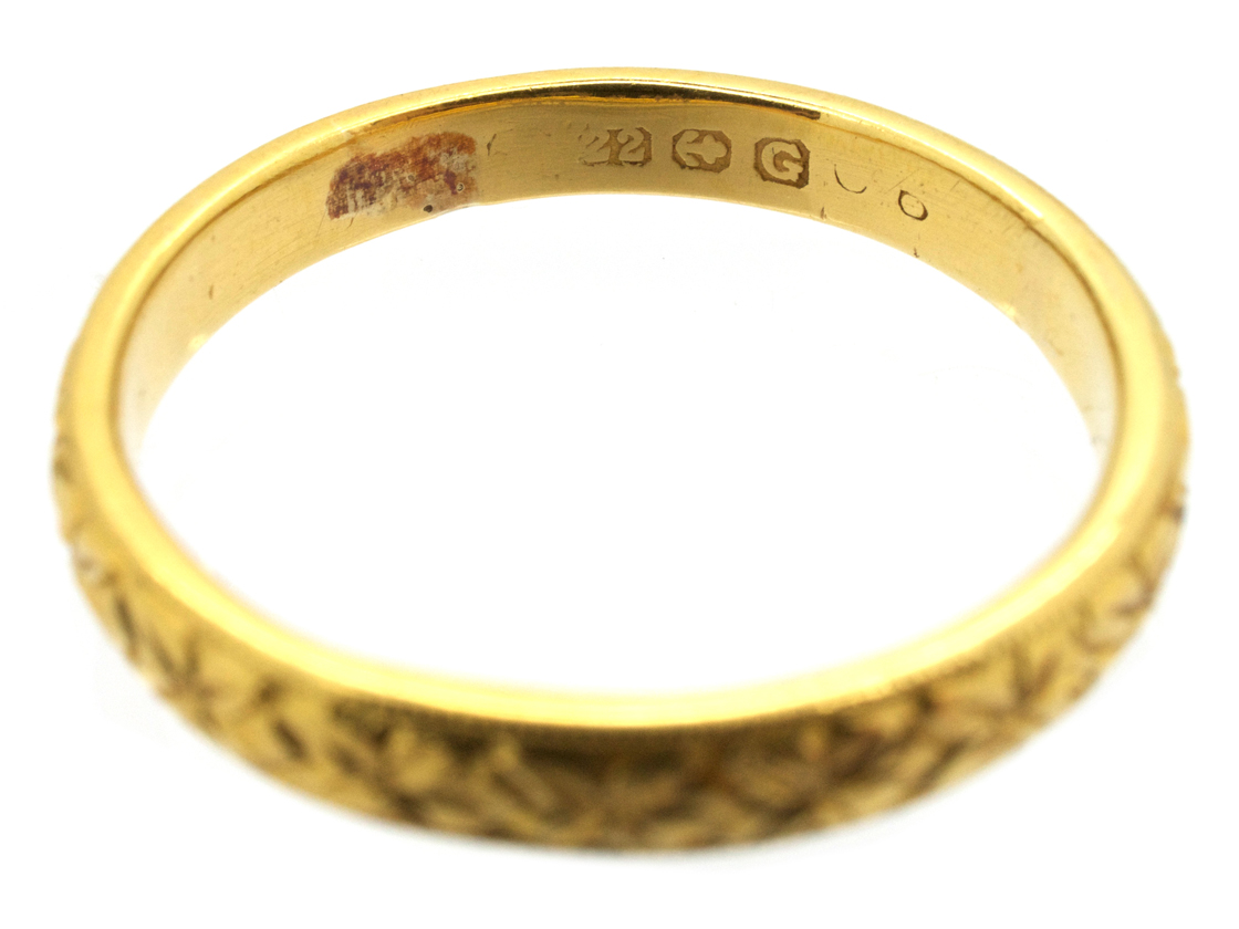 22ct engraved wedding ring the antique jewellery company