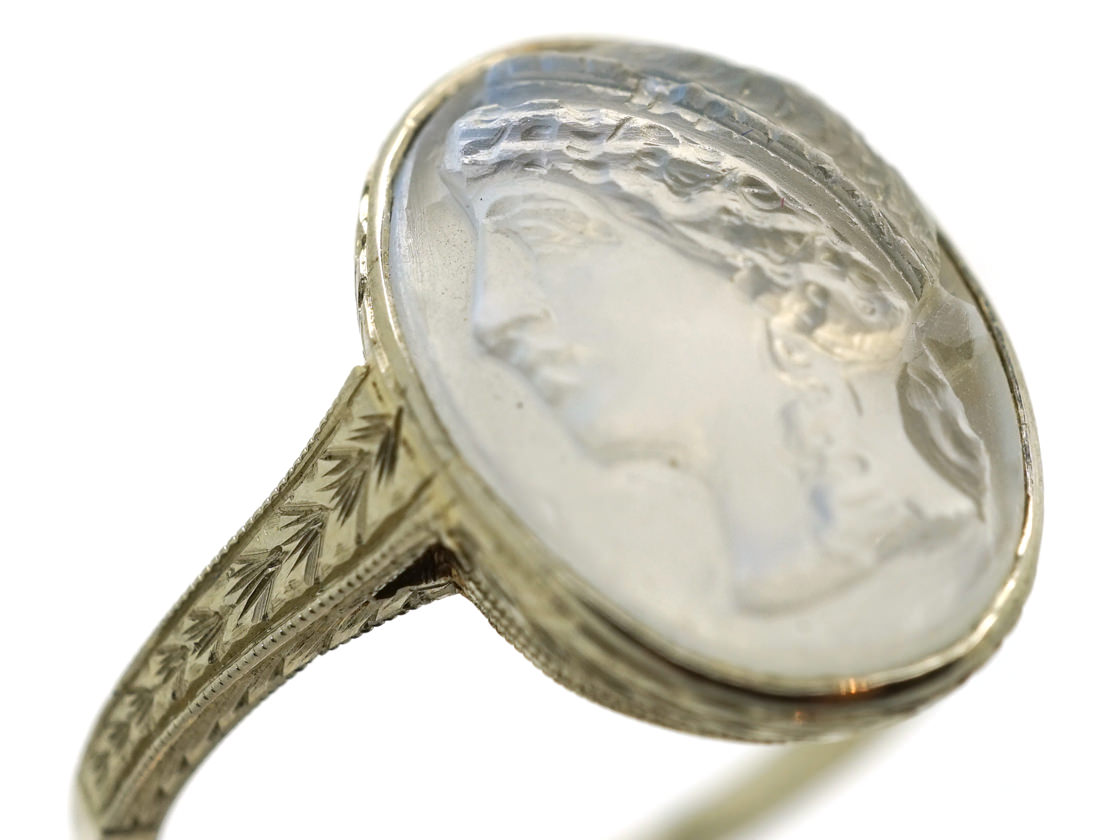 18ct White Gold Ring With Carved Moonstone Cameo The
