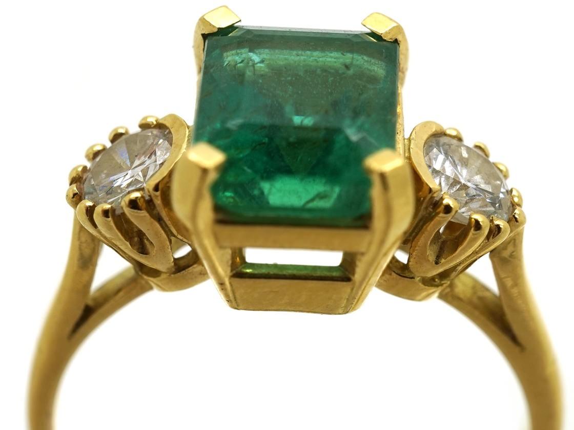 18ct Gold Rectangular Emerald Amp Diamond Three Stone Ring