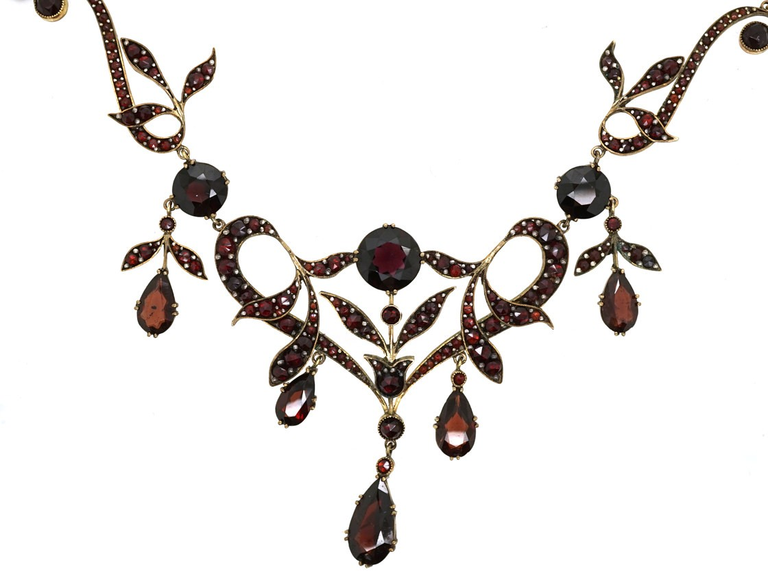 Art Nouveau Triple Drop Garnet Necklace